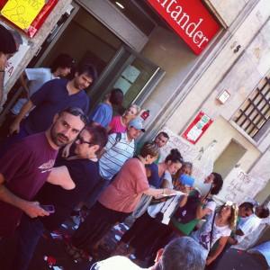 La PAHC s'encadena al Santander
